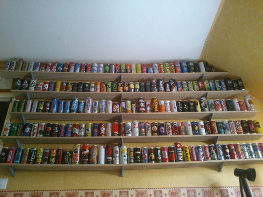 collectionneur de canettes energisantes - energy drinks collection