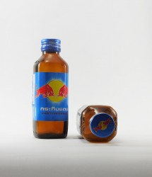 RedBull energy drink - Canette Red bull - version flacon verre thailande (2)